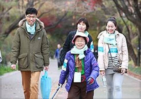 · 제5회 Cigna Day '어르신과 함께하는 행복한 나눔 걷기 캠페인' 기금 모금 행사 개최 · 제1회 건강한 삶, 행복한 가족 '도심 속 새와 친구되기' 환경봉사활동 진행